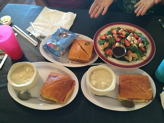 Jefferson, TX: Variety of sandwiches, chicken and dumplings, strawberry salad
