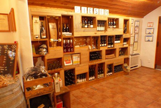 Picton, Nueva Zelanda: Giesen Winery Display