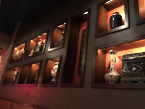 Victor, Nova York: PF Chang's - decorations on rear wall