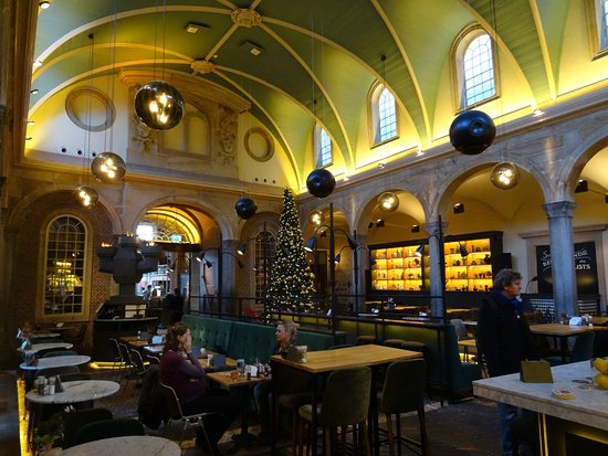 Dining in the former Weigh House