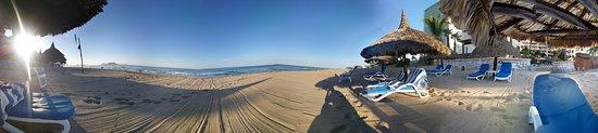 Costa Bonita Condominium & Beach Resort: 20161121_082613_large.jpg