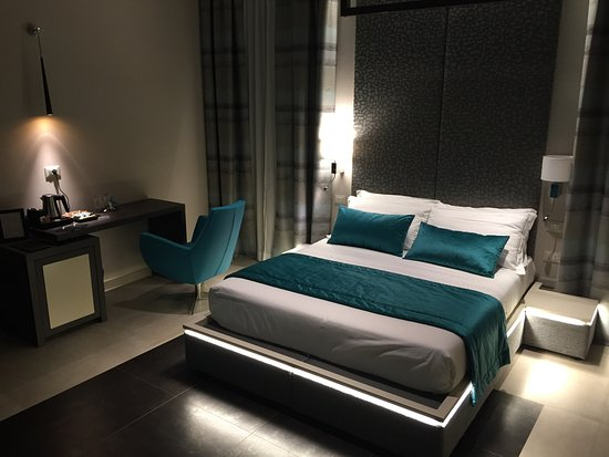 Barberini Luxury Suites Guest House Reviews Rome Italy
