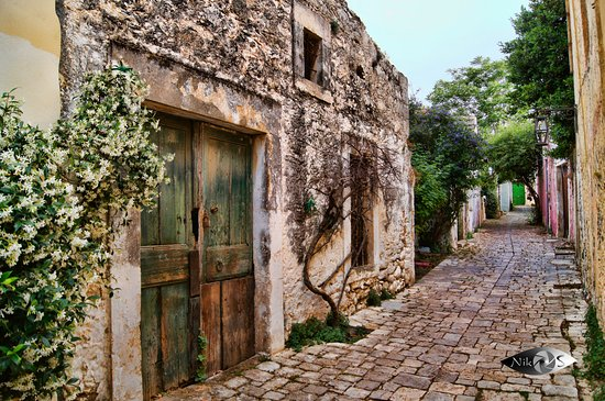 Archanes makri sokaki traditional alley