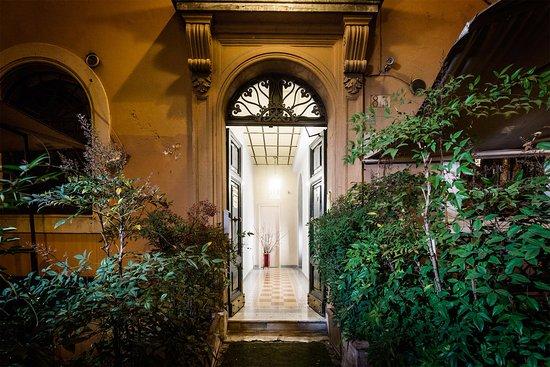 Hotel Dei Fiori Roma.Casa De Fiori 79 8 8 Prices Hotel Reviews Rome Italy