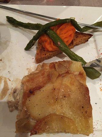 Lezignan-Corbieres, Frankrijk: Et les pommes de terre dauphinoises