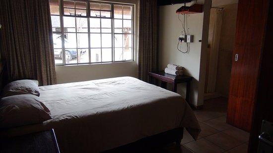 bateleur bushveld camp slaapkamer 2 met airco