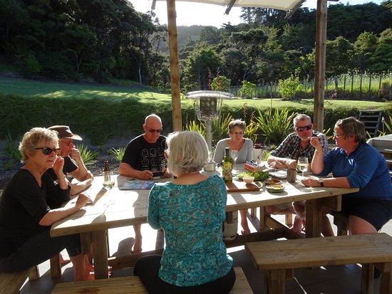 Whangarei, Yeni Zelanda: Sharing the day's tales