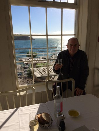 Hotel Tresanton Restaurant: Complimentary birthday champagne as the sun comes out.