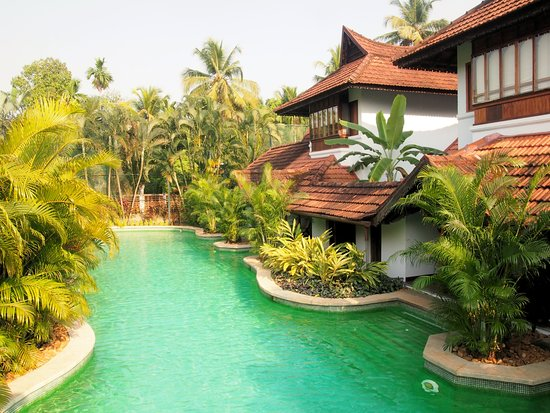 Duplex Villas With Direct Access To Meandering Pool Picture Of Kumarakom Lake Resort