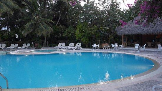 Kuramathi: Pool by the spa, quiet as always