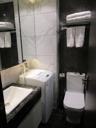 Ganzhou, China: 好細既浴室