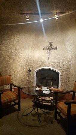 Casa Santo Domingo: la habitación tiene chimenea