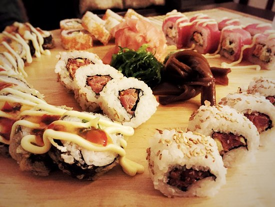 Martin, Slovacchia: Fantastic sushi! We tried some of the new maki rolls, and our favoueite: the classic tempura spe
