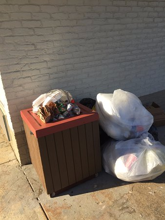 Lumberton, NC: garbage