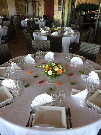 mise en place pour réception groupe Picture of Restaurant le