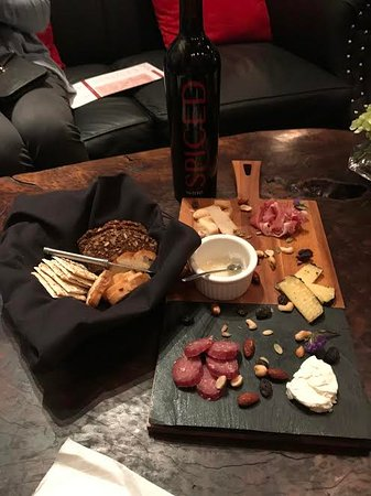 Healdsburg, CA: The original Spicy Vines wine and their cheese platter. So yummy!