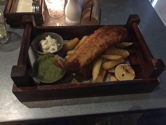 the dock bar kitchen wooden tray spoilt the eating experience