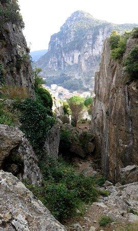 Ulassai vista dal Canyon di mezzo di Sa Tappara
