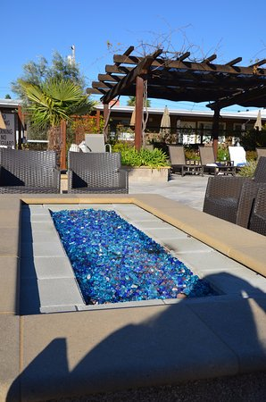 Calistoga Spa Hot Springs: At night, the firepit is a relaxing spot to dry off after a soak
