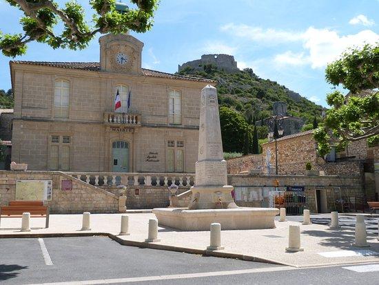 Saint-Victor-la-Coste 사진