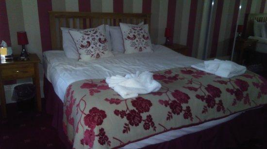 The Antrobus Hotel: IMAG0488_large.jpg