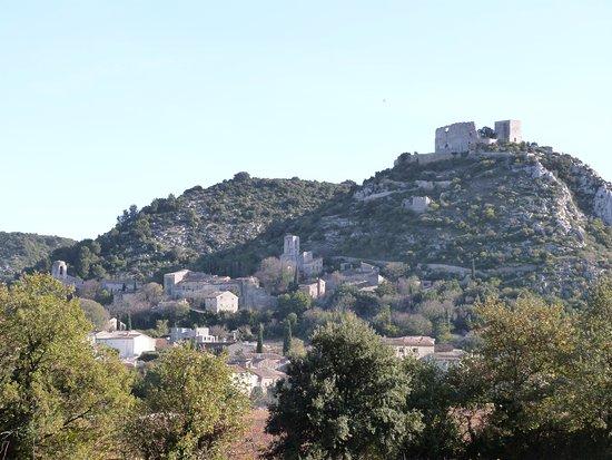 Saint-Victor-la-Coste Photo