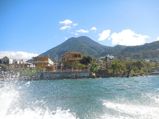 Lake Atitlan, Guatemala: En la lancha