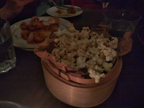 Thornbury, Canada: popcorn basket instead of bread basket