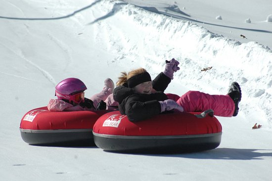 Lackawaxen, Pensilvania: Tubing is available on Saturdays and Sundays and during holiday periods.  Please call for hours.