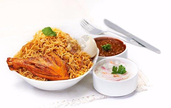 Azaiba, Oman: Anjappar - Chicken biryani