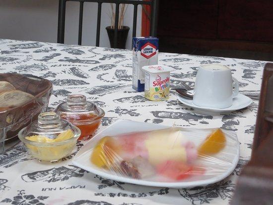 Kahina Lodge : Breakfast