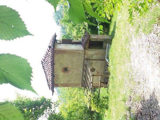 Ecomuseo delle Rocche del Roero: Ciabot sul sentiero dell'apicoltura