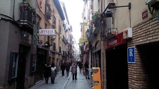 โลโกรโญ, สเปน: Calle San Juan, la animación sube por la noche.