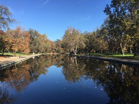 Parque Bidwell: Old-school swim area
