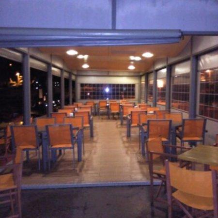 Mercadal, España: terraza del restaurante