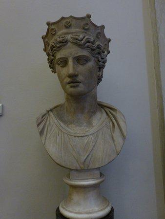 busto femenino フィレンツェ アカデミア美術館の写真 トリップ