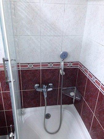 Santa Sophia Hotel : Altura de la ducha: A tu cadera