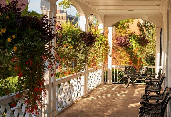 Nittany Lion Inn : Balcony seating