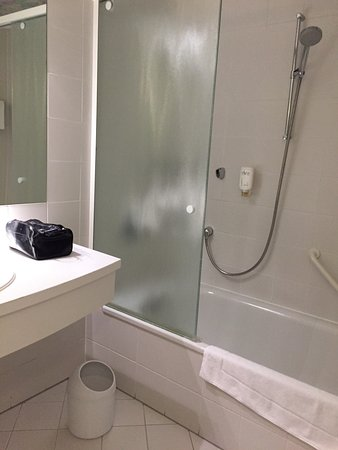 Novum Hotel Post Aschaffenburg: bathroom Room 322