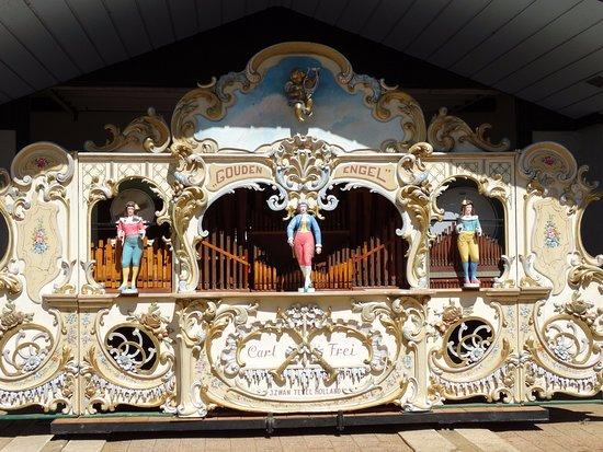 Nelis' Dutch Village: Beauiful street organ