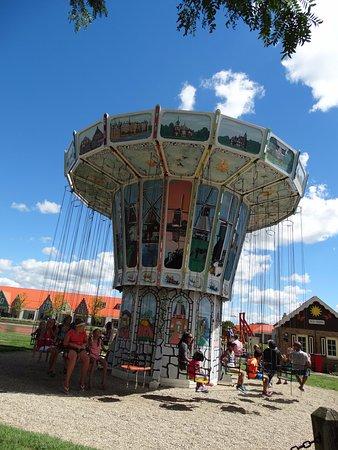 Nelis' Dutch Village: Swing ride