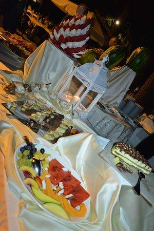 Tocco da Casauria, Italia: frutta e dolci