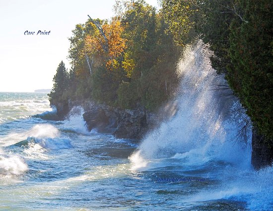 Sturgeon Bay, WI: Waves on a windy day.