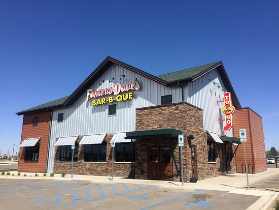 Williston, ND: Famous Dave's BBQ