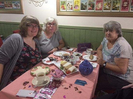 Aylesford, UK: birthday afternoon tea