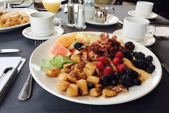 Hotel Chateau-Bromont: petit déjeuner