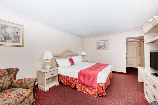 德梅因貝蒙特套房飯店