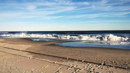 Atlantic Ocean at Ventnor City Beach in mid Nov.