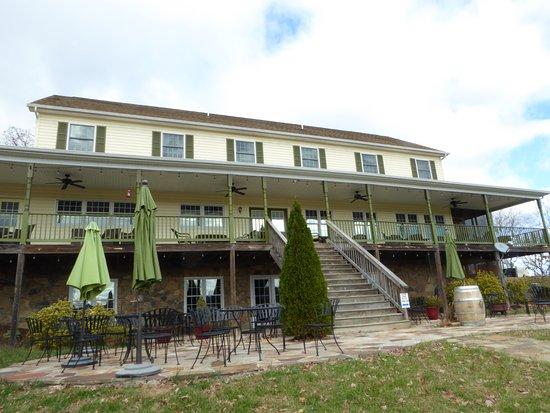 Berryville, VA: Tasting Building
