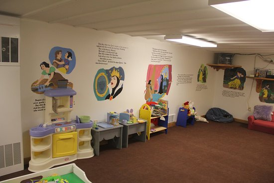 Shelby, MT: Kids play room